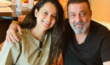 Kangana Ranaut meets Sanjay Dutt in Hyderabad, shares a happy picture