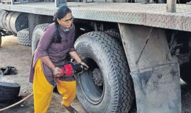 Meet Adilaxmi, Telangana's first and only woman mechanic