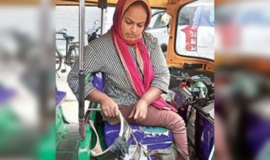 Meet Ankita Shah, Ahmedabad's first specially-abled woman auto driver